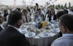 Ak Partililer iftar sofrasında bir araya geldi