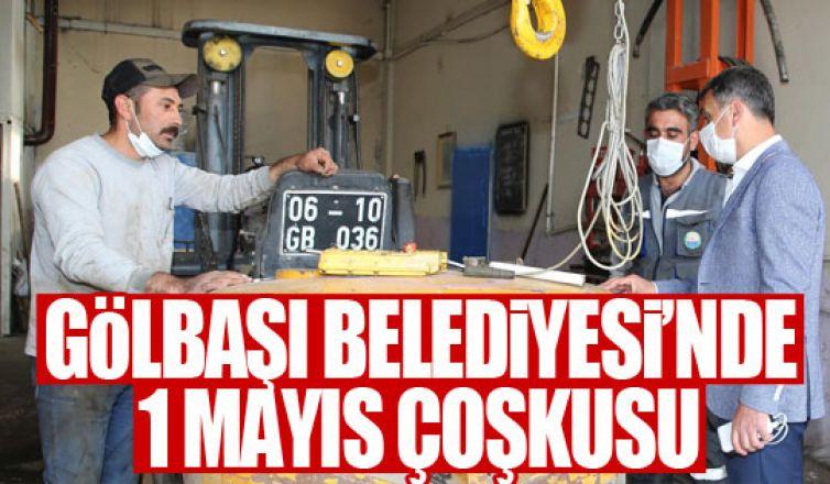 Başkan Şimşek 1 Mayıs'ı belediye çalışanlarıyla kutladı!