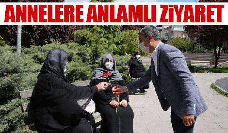 Başkan Şimşek ve Kaymakam Tülay Baydar Bilgihan'dan annelere ziyaret!