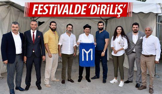 Dirliş oyuncuları festivale katıldı