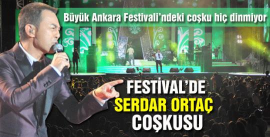 FESTİVAL'DE SERDAR ORTAÇ COŞKUSU