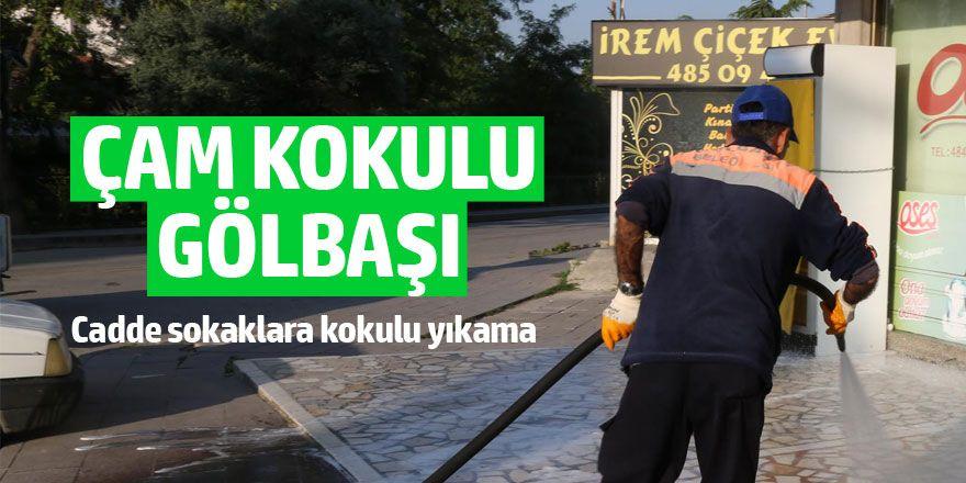Gölbaşı sokaklarına kokulu yıkama