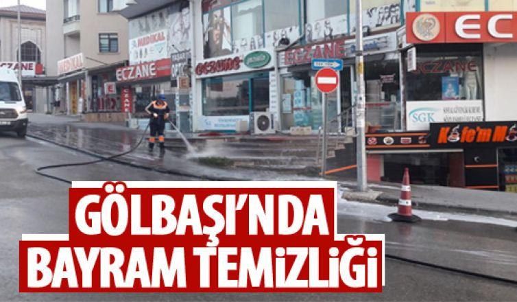 Gölbaşı'nda cadde ve sokaklar yıkanıyor!