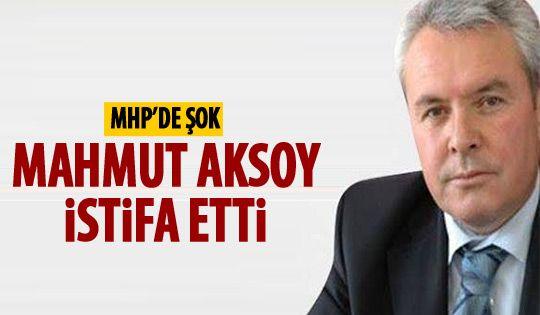 MHP'de şok istifa
