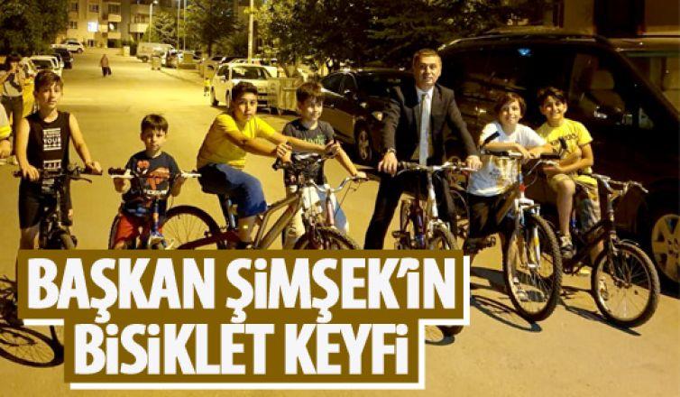 Ramazan Şişek çocuklarla bisiklet sürdü