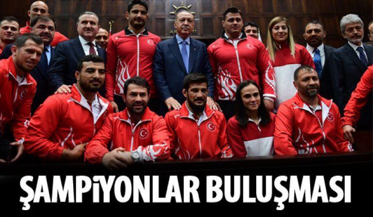 Şampiyonlar Cumhurbaşkanı Erdoğan'la buluştu