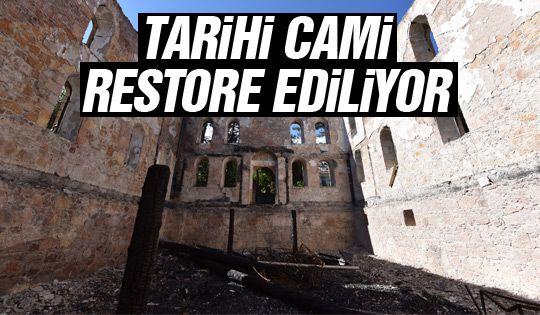 Yanan tarihi cami restore ediliyor