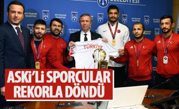 ASKİ Spor Kulübü Güreşçileri madalyalarla döndü