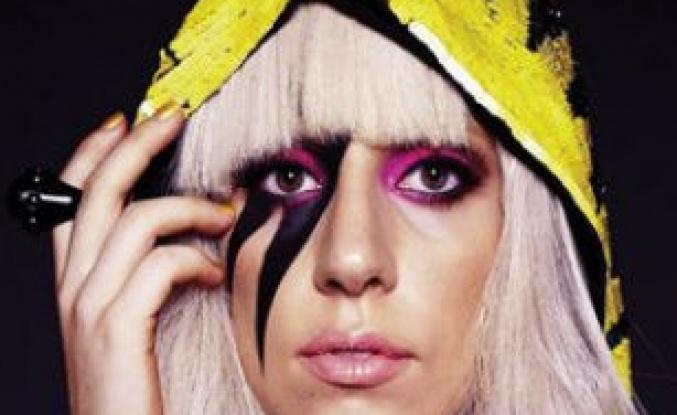 Lady Gaga Geliyor...