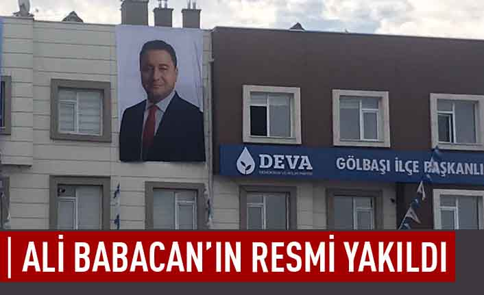Ali Babacan'ın resmi yakıldı