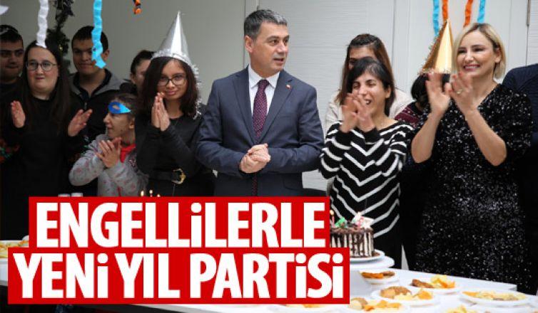 Başkan Şimşek'ten engellilerle yeni yıl partisi!