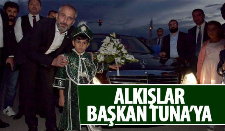 Başkan Tuna amakam aracını şehit çocuğuna tahsis etti