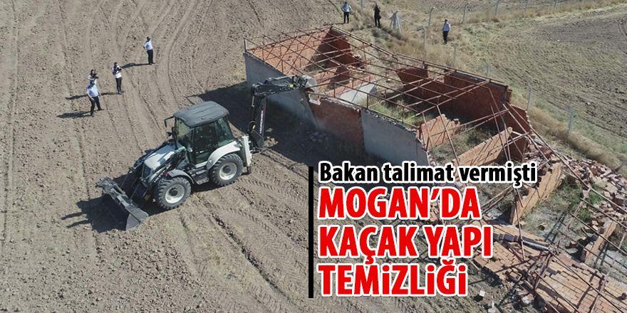 Mogan'da kaçak yapı temizliği