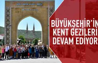 Büyükşehir'in yerel ekonomiyi canlandıran kent gezileri devam ediyor