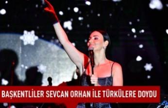 Başkentliler Sevcan Orhan ile türkülere doydu