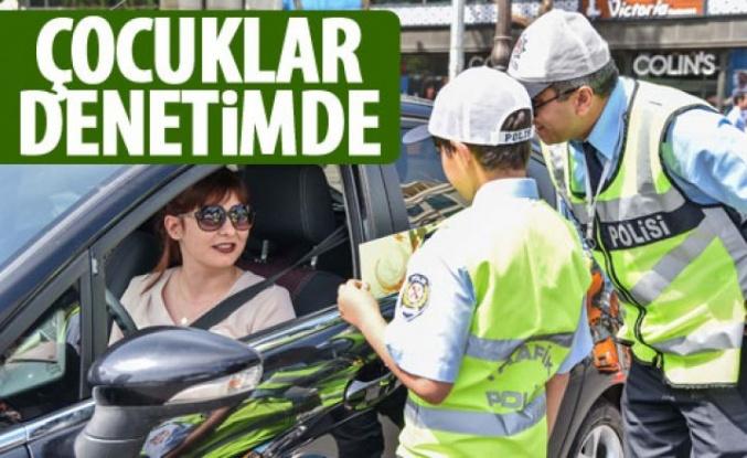 15 Temmuz Kızılay Milli İrade Meydanı'nda çocuklar trafiği denetledi